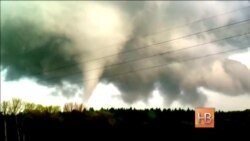 Очевидец заснял торнадо на севере Германии