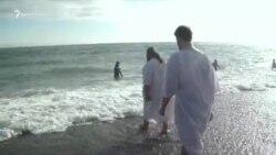 Как в Ялте на Крещение в море окунались (видео)
