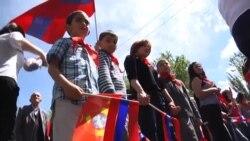 Yerevanda pionerlər küçəyə çıxdı