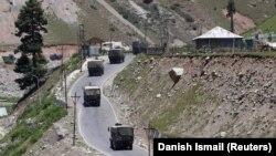 Hindistanın hərbi maşın karvanı dağlıq sərhəd bölgəsində