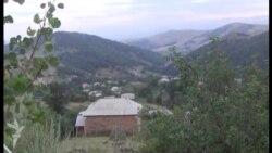 Ermənistan sərhədinin 70 metrliyindəki Qaravəllər kəndinin ən hündür evi