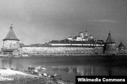 Соловецький монастир, в якому у 1923 році був створений табір особливого призначення