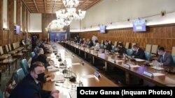 Guvernul României, într-o imagine de arhivă. La ședința de marți au lipsit miniștrii de la USR PLUS, care și-au dat demisia.
