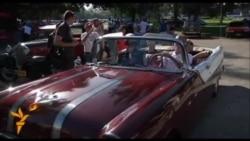 Автопробіг антикварних авто на Кубі