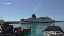 «Минусы стараемся не замечать»: лайнер «Князь Владимир» прибыл в Крым (видео)
