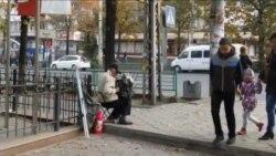 Осенний Бишкек: уличный музыкант