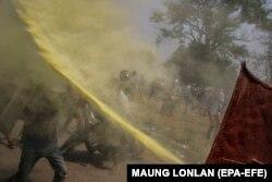 اعتراضها در واکنش به روی کار آمدن حکومت نظامی در میانمار