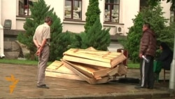Luhansk Prepares Coffins For Killed Rebels