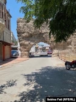 Tarsus, ziduri romane