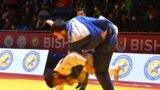 Чемпионатта Кыргызстандын намысын 17 спортчу коргойт. Биринчи мелдеш күнүндө кыргызстандык тогуз дзюдочу татамиге чыкты.