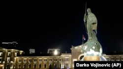 Споменикот на Стефан Немања во Белград