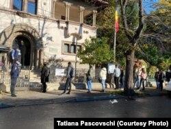 Alegeri prezidențiale 2020, vot la ambasada R. Moldova de la București, 1 noiembrie 2020