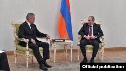 Встреча Сергея Шойгу с Николом Пашиняном.