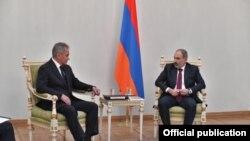 Сергей Шойгу бо Никол Пашиниян
