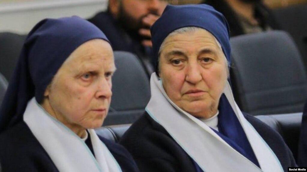جوزپینا برتی (چپ) راهبه ۷۵ ساله ایتالیایی (عکس از رضا امینی- اصفهان امروز)